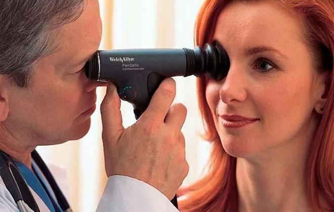 Офтальмоскопия для девушки