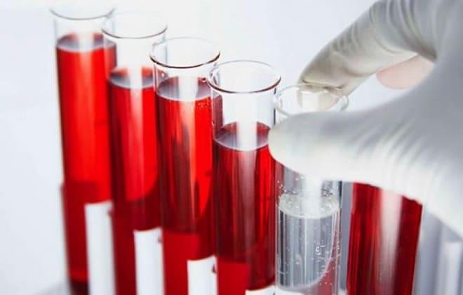 Пробирки с кровяной жидкостью