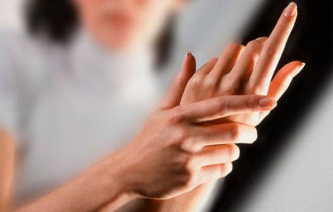 Слабость сосудов рук