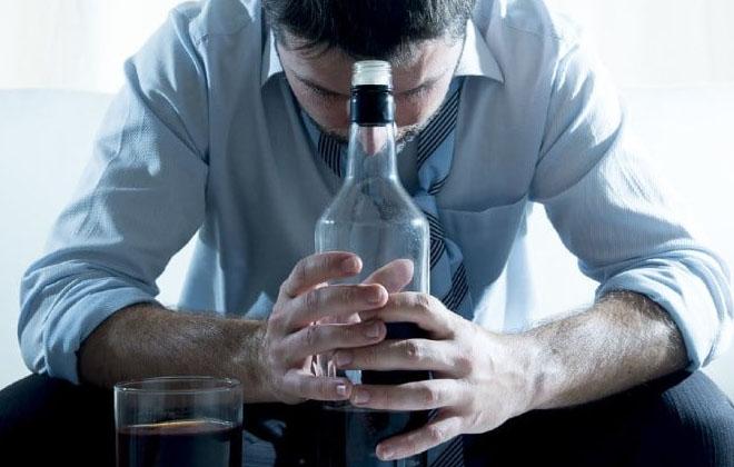 Злоупотребляющие спиртными напитками
