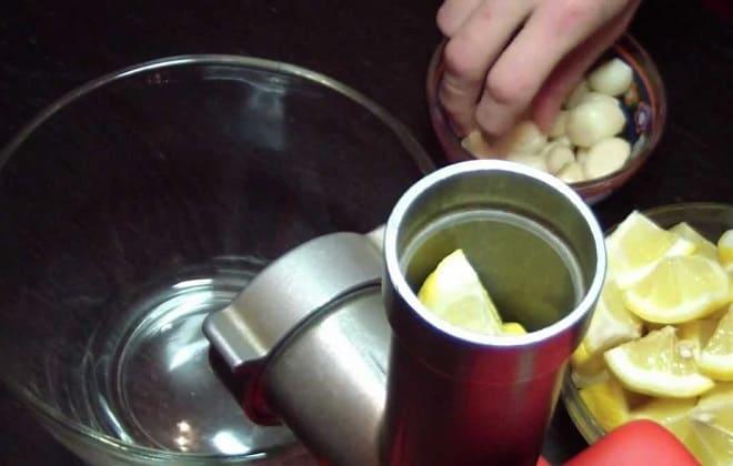 Приготовление настойки чеснока и лимона