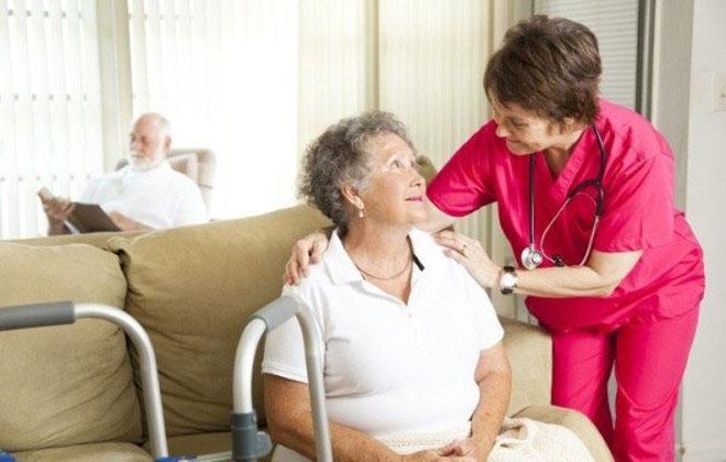 Симптомы инсульта у женщин пожилого