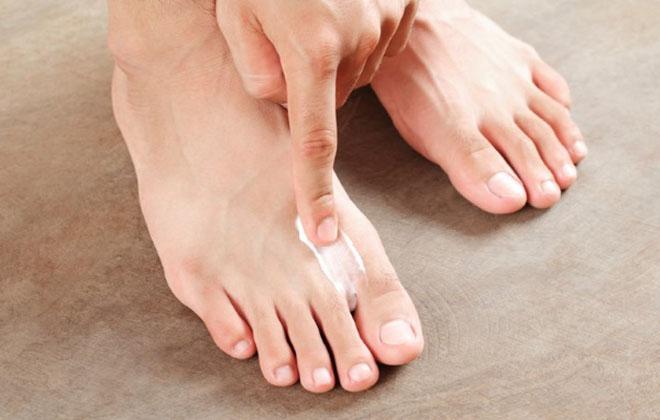 Мазать ноги