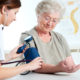 Что делать при очень низком кровяном давлении (гипотония) у пожилого человека и как его поднять