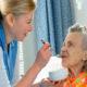 Как ухаживать за лежачим (парализованными) больными после инсульта в домашних условиях