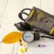 Как лечить гипертонический криз в домашних условиях и первая неотложная помощь