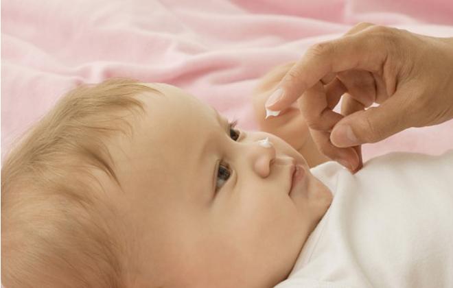 Мазать нос кремом ребенку
