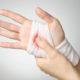 Какие существуют способы (методы) временной остановки наружных кровотечений и как оказать первую помощь