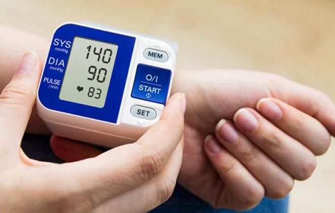 Гипертония 2 степени симптомы и лечение таблетки