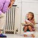 Почему в моче ребенка (мальчика и девочки) следы крови после мочеиспускания