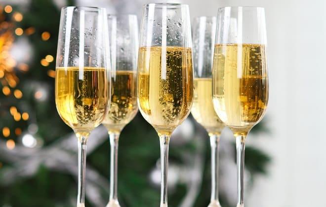 Золотистое шампанское