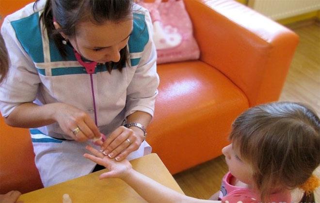Брать кровь у ребенка