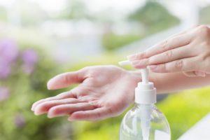 Какое количество антисептика нужно для дезинфекции рук, что бы защитится от Коронавирусной инфекции